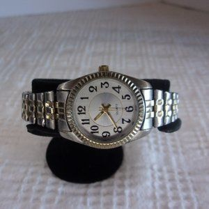 Silver Tone Wrist Watch With Flexible Stretch Band